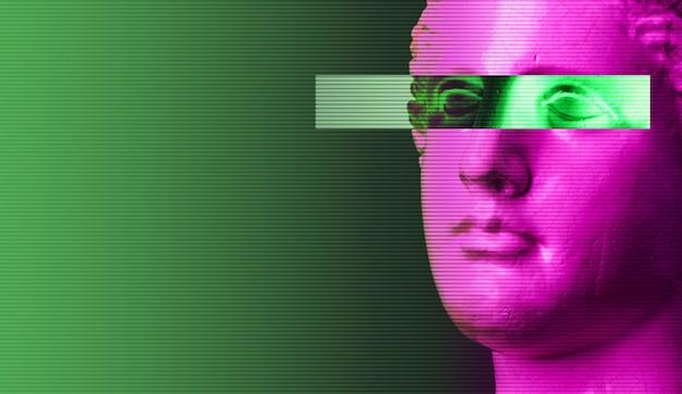밝은 복고풍 증기파 배경에 보라색 분홍색 골동품 머리 조각. 현대 미술 콜라주입니다. 레트로 웨이브 스타일 포스터의 개념입니다.