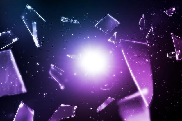 デザインスペースと空間の背景に紫の粉々に砕けたガラス