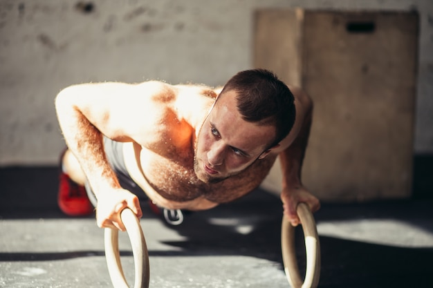 Push up with rings