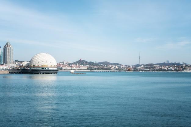 칭다오의 아름다운 해안선과 건축 경관