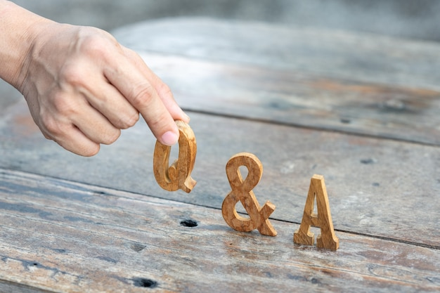Question and answer on  wooden latter for use in discussion, consultation, seminar