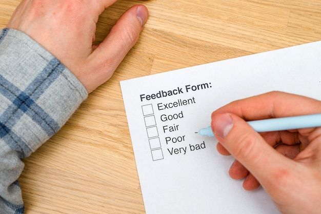 A questionnaire with answer options for the feedback form