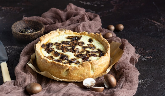 Quiche with champignons and cheese