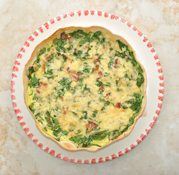 Quiche with spinach and bacon