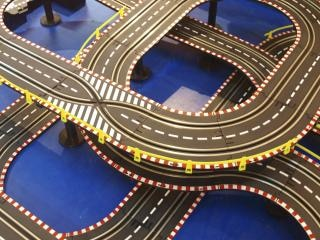 Race track interchange