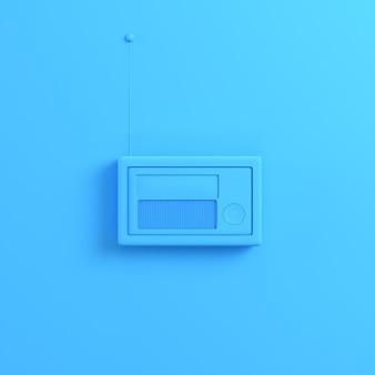 Радио на ярко-синем фоне