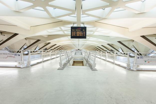 Rail valencia metro underground travel