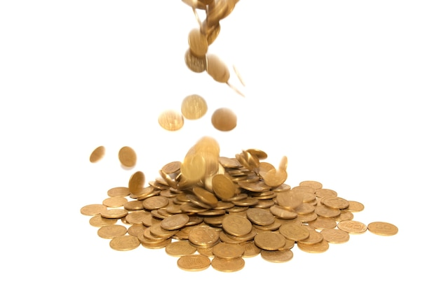 孤立した黄金のコインの雨