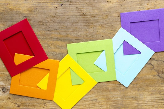 Радуга оригами на столе