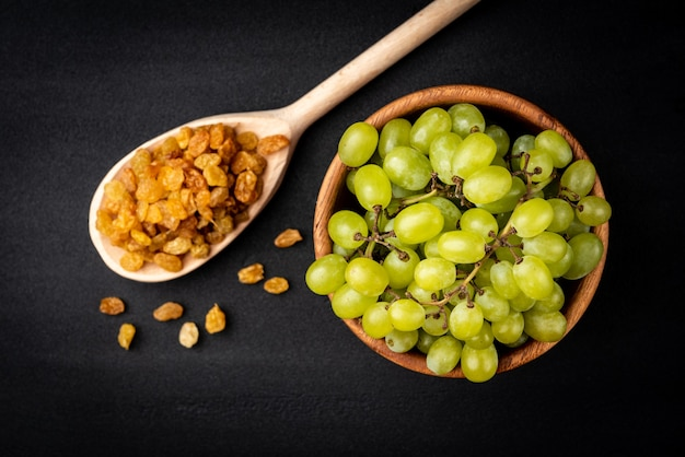 Raisin and green grape
