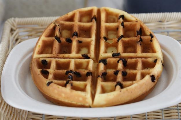 Raisin waffle