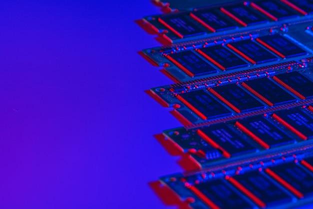 コンピューターのランダムアクセスメモリramをクローズアップ