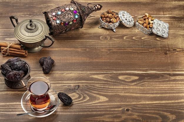 お茶とナツメヤシのラマダン組成物