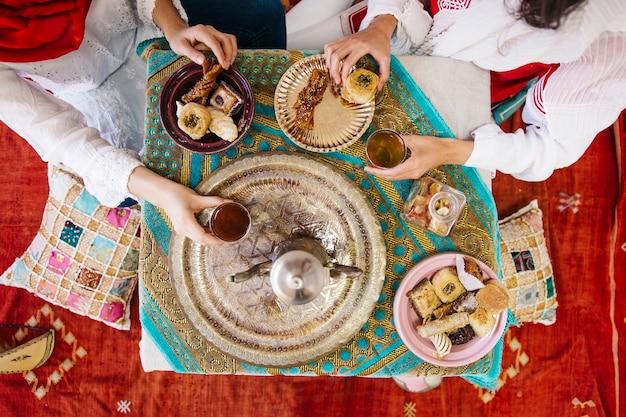 Концепция рамадан с едой и