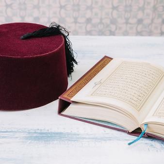 Concetto di ramadan con corano