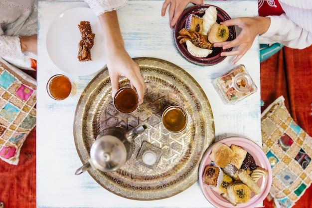 Концепция рамадана с чаем