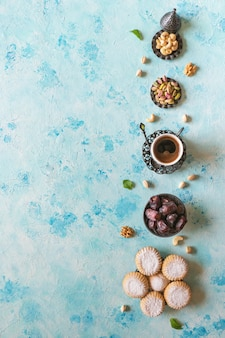 Рамадан сладости. печенье эль фитр исламский праздник. арабское печенье maamoul.