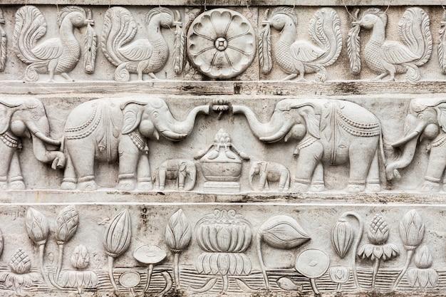 Статуя будды рамбадагаллы самадхи