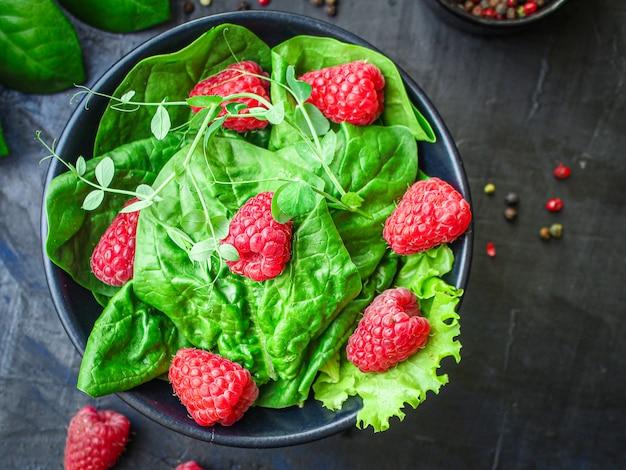 Raspberries and lettuce salad menu
