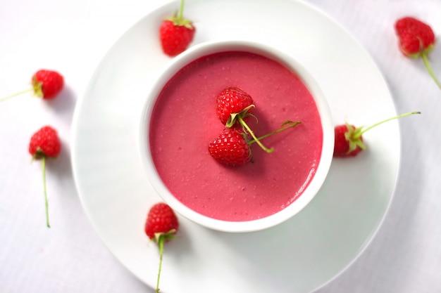 Raspberry dessert with cream cheese