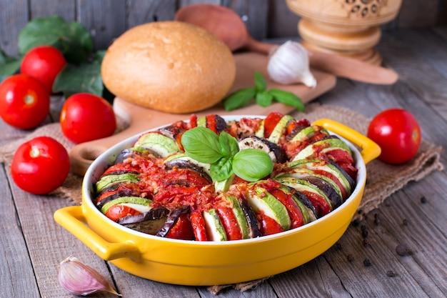 Рататуй - традиционное французское провансальское овощное блюдо