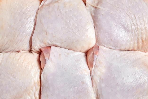 Сырые и сырые куриные бедра детали