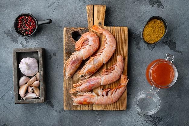 붉은 아르헨티나 새우 재료 세트, 회색, 평면도 평면 누워에 구운 원시 바베큐