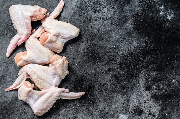 Сырые куриные крылышки органическое мясо птицы