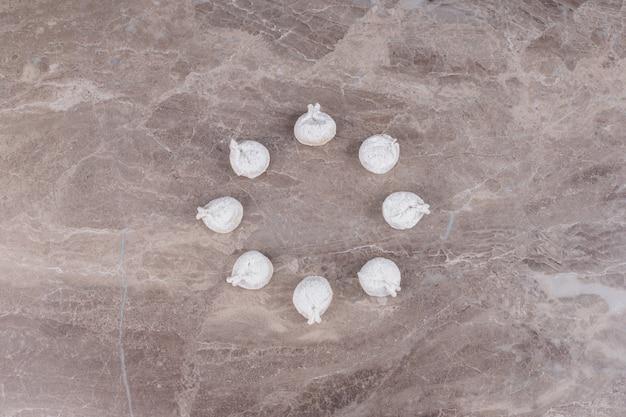 大理石の生餃子。