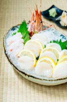 Raw and fresh sashimi set with oyster