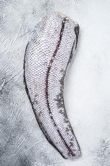 Сырая рыба гренадер макрурус.
