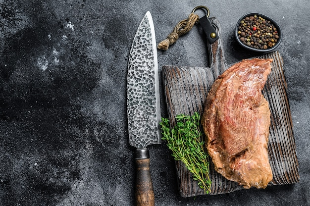 Тройной стейк из говядины в сыром маринаде для барбекю
