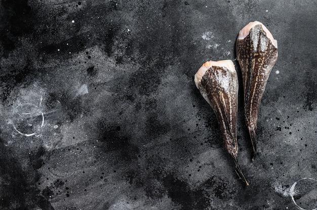 머리없는 생 monkfish. 복사 공간