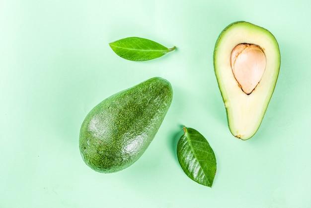 Шаблон сырого органического авокадо