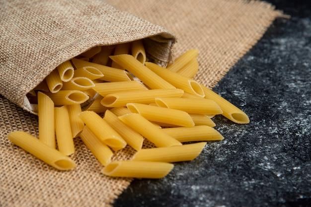黄麻布の生パスタの品種。