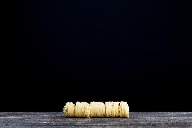 Сырые макароны