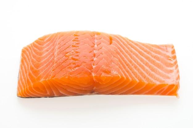 생 연어 고기