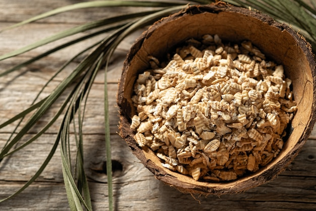 Raw syrodavlennaya oatmeal