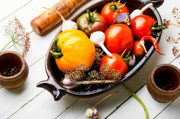 生トマトとトマトの酢漬けの材料