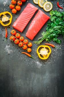 Carne di filetto di tonno crudo