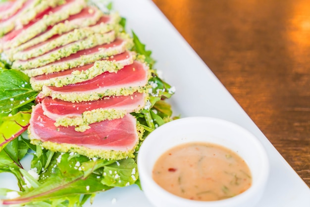 Raw tuna salad