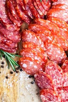 고기로 만든 기성품 및 공장에서 준비된 제품, 돼지 고기로 만든 식품