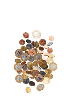落下するリアルコイン、ブラジル通貨、白い背景 Premium写真