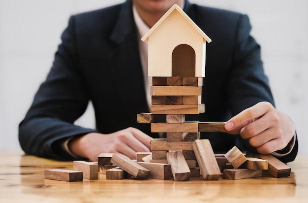 Real estate planning and financial investment risk prevention