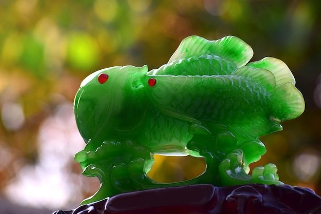 Настоящий нефрит зеленый нефрит