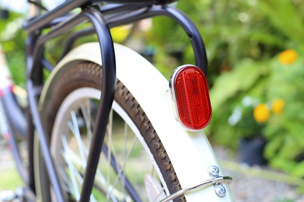 Rear end lights for bicycles
