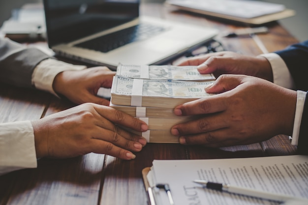 Receive bribe money-corruption