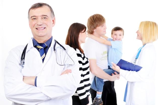 Прием молодой семьи с ребенком в больнице