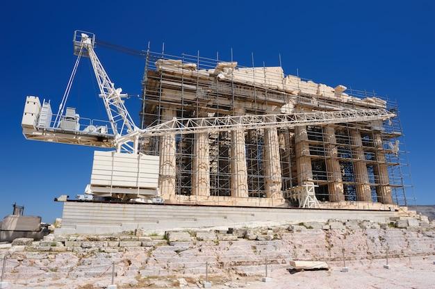 Реконструкция парфенона в акрополе, афины, греция