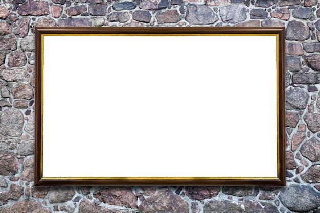자연석 벽에 흰색으로 분리된 직사각형 프레임